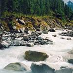 работа реки, горная река
